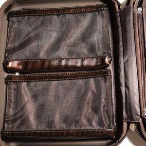 Laura mercier brush container/ bag/ kit